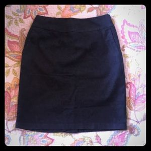 Blue pencil skirt with pockets